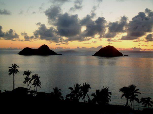 Sunset over the Mokulua Islands - Lanikai/Kailua Oahu Beachfront Vacation Rental - Kailua - rentals