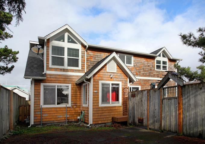 Seabreeze Cottage ~ RA5860 - Image 1 - Seaside - rentals
