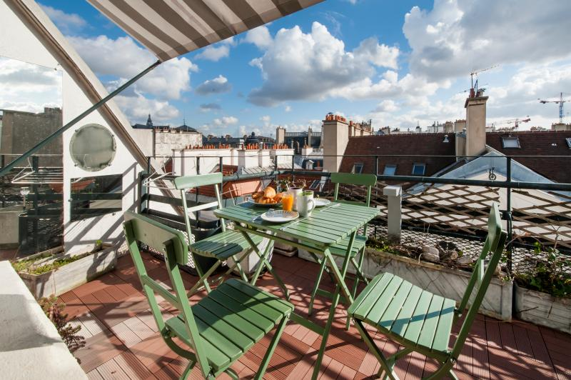 Terrace with view on the city from the 8th floor - December Rate - Terrace in the 1st district - Paris - rentals