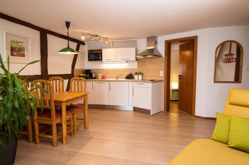 Vacation Apartment in Leutershausen - 700 sqft, natural, bright, friendly (# 5106) #5106 - Vacation Apartment in Leutershausen - 700 sqft, natural, bright, friendly (# 5106) - Leutershausen - rentals