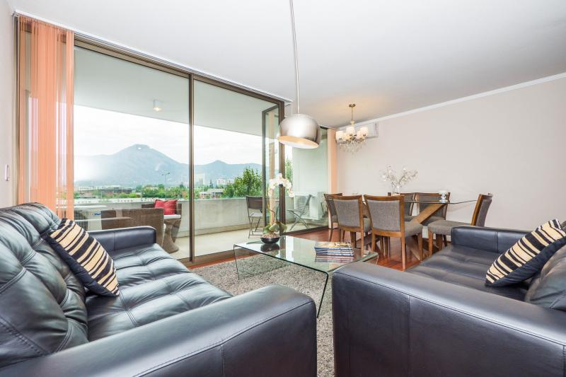 Bright 2 Bedroom Apartment in Las Condes - Image 1 - Santiago - rentals