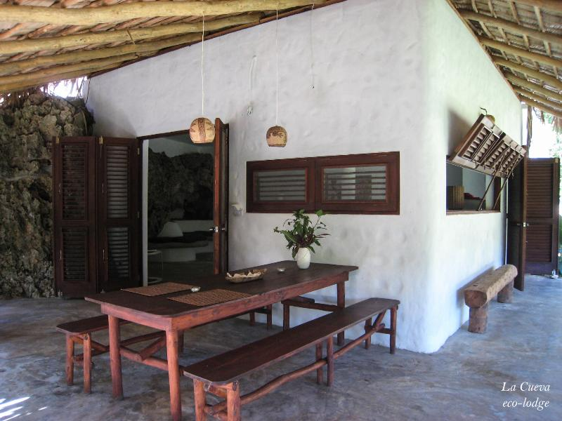 View on the house and terrace - La Cueva eco-lodge - Las Galeras - rentals