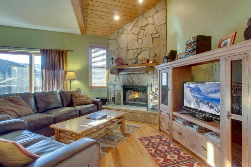 Rustic home w/ private hot tub; mountain views & fireplace - Image 1 - Park City - rentals
