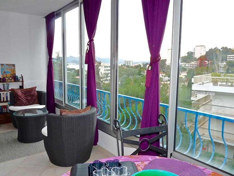 Midi Terrace 1 Bedroom Holiday Rental by the Beach, Cannes - Image 1 - Cannes - rentals