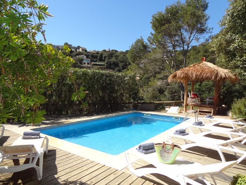 Poolside at Villa Dasa.  Private and sunny! - Spacious villa, sea views, private pool, sleeps 10 - Begur - rentals