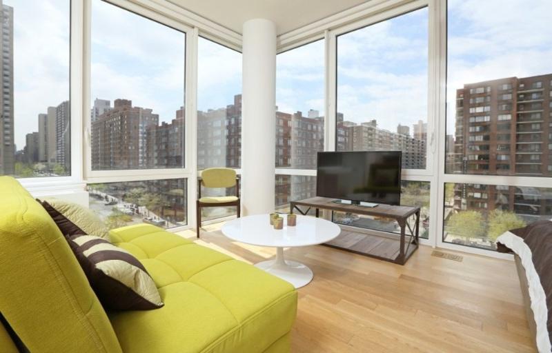 Sleek and Updated Kitchen - Studio Apartment in New York - Image 1 - New York City - rentals