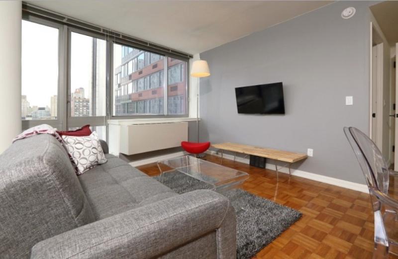 Comfy Sleek 1 Bedroom Apartment - Great Amenities - Image 1 - New York City - rentals