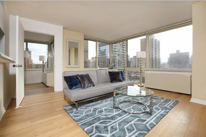 Sunny and Spacious 2 Bedroom, 1.5 Bathroom Apartment in Upper East Side - Fully Furnished - Image 1 - New York City - rentals