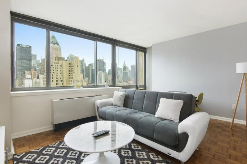 Great 2 Bedroom, 2 Bathroom Apartment With Spectacular Views - Image 1 - New York City - rentals