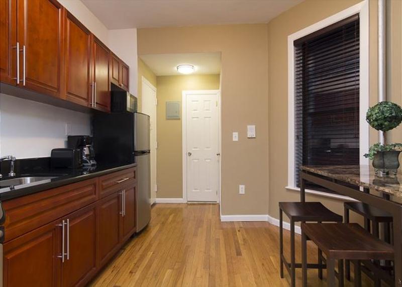 SPLENDID 1 BEDROOM 1 BATHROOM APARTMENT - Image 1 - New York City - rentals