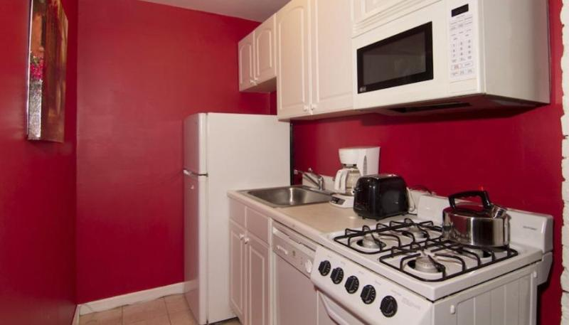 COZY AND FURNISHED 4 BEDROOM APARTMENT IN NEW YORK - Image 1 - New York City - rentals