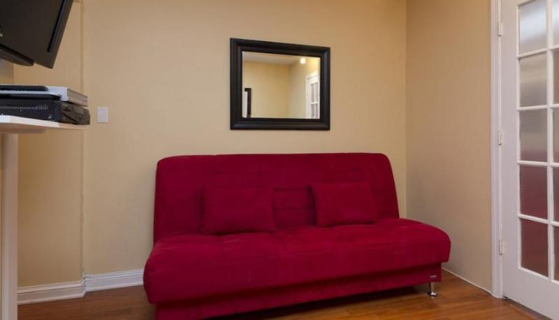 Sophisticated and Well Designed 2 Bedroom Apartment with 1 Bathroom - New York - Image 1 - New York City - rentals