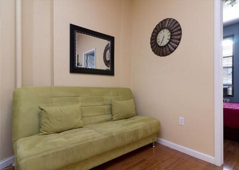 ALLURING 2 BEDROOM 1 BATHROOM APARTMENT - Image 1 - Catskill Region - rentals