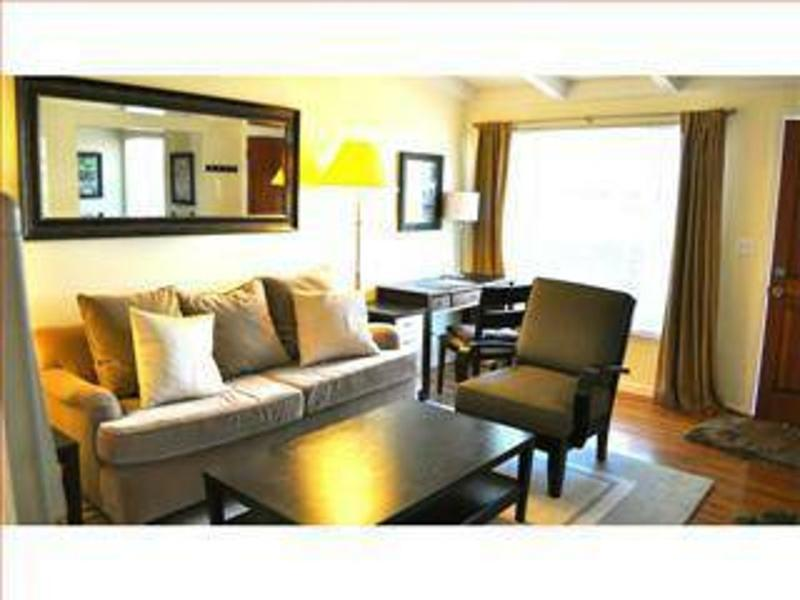 LOVELY AND COZY 1 BEDROOM APARTMENT - Image 1 - Stanford - rentals