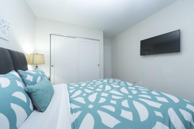 REMARKABLE FURNISHED 1 BEDROOM 1 BATHROOM APARTMENT - Image 1 - Long Island City - rentals