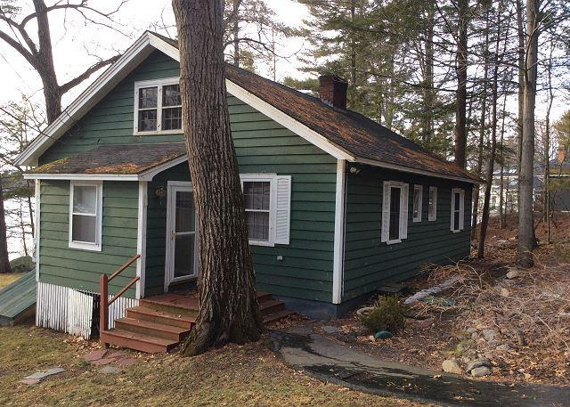 Governors Island Waterfront Cottage (RIG152W) - Image 1 - Gilford - rentals
