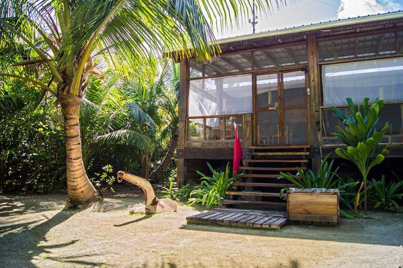 HURACAN DIVE LODGE - BELIZE - Image 1 - Long Caye - rentals