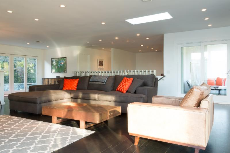 Modern 3 Bedroom Home in the Hollywood Hills - Image 1 - Los Angeles - rentals