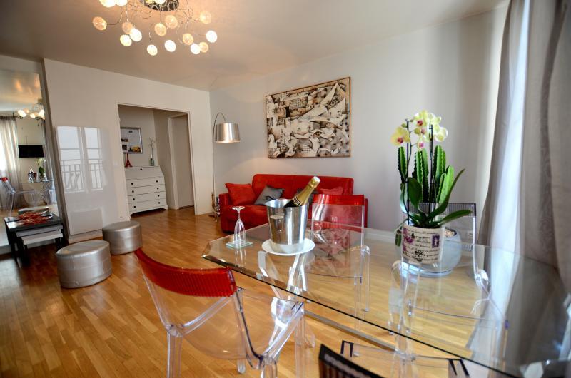 Subtle 1 Bedroom Apartment Near Bastille - Image 1 - Paris - rentals