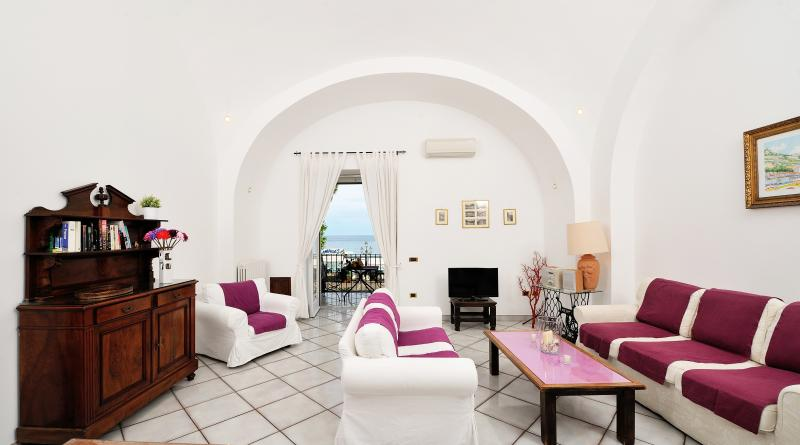 Livingroom + sea view - Vicaria, few steps from the sea, terrace sea view - Minori - rentals