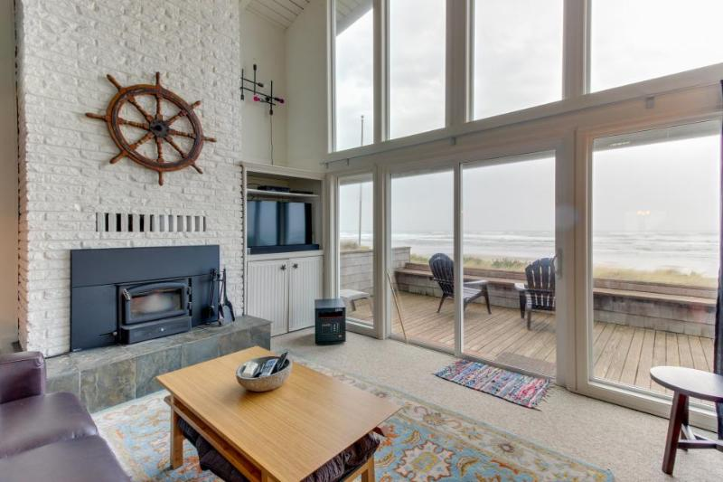 Modern beach home w/sweeping oceanfront views. Walk to town! - Image 1 - Rockaway Beach - rentals