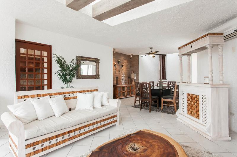Living Room - NEW!! Luxurious & Comfortable Residence - HZ - Cancun - rentals