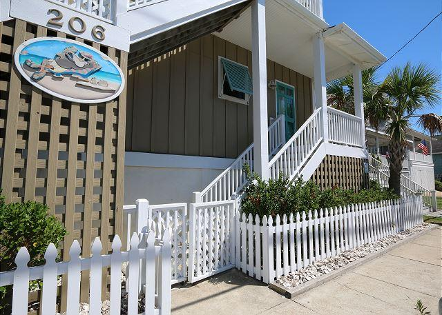 Kick -N-Back- Downstairs apartment available for long term off season rentals - Image 1 - Wrightsville Beach - rentals