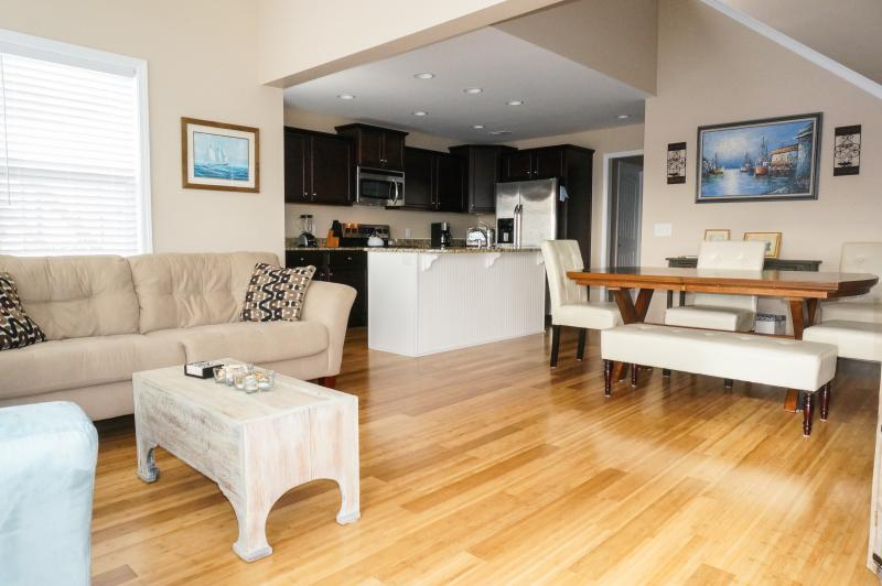 Living Room/Dining Room - Gorgeous North Topsail Rental - North Topsail Beach - rentals