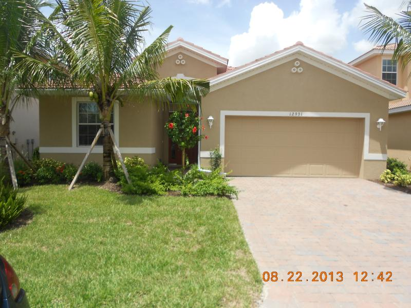 Front Entrance - Deluxe Waterfront Villa  - North Fort Myers - North Fort Myers - rentals
