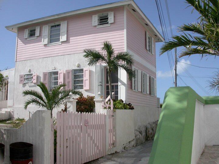 House facing Lord Street - Experience the REAL Bahamas - Tarpum Bay - rentals