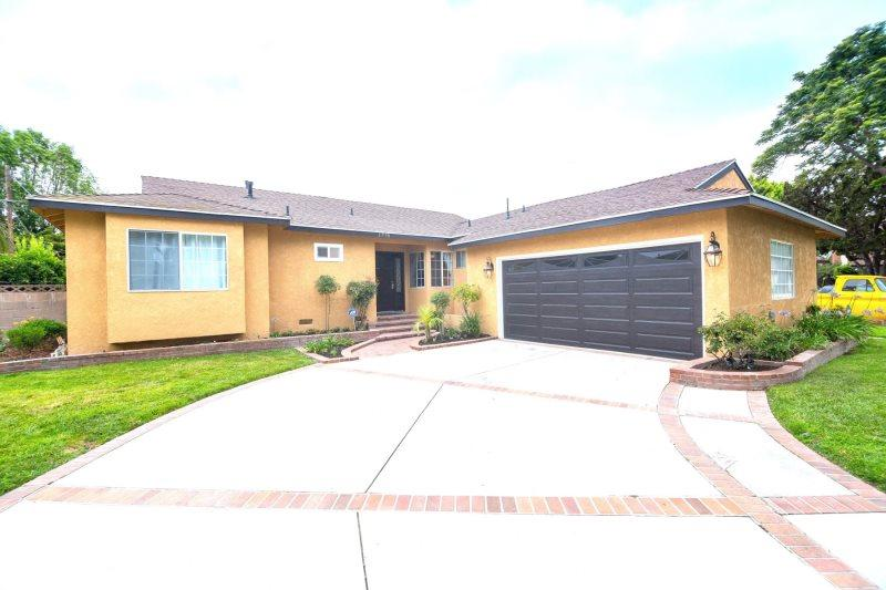 Completely Remodeled & Renovated 4-Bedroom/3-Bath Pool Home Minutes from Disney!! - Image 1 - Anaheim - rentals
