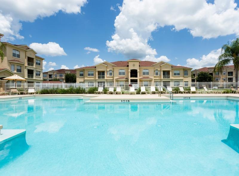 Luxury Poolview Penthouse - Image 1 - Davenport - rentals
