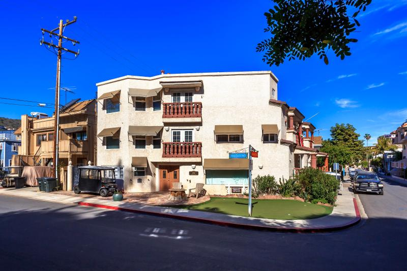 One of Avalon's Newest & Finest. You get ALL this! Book as a 1 Bedroom OR as a 2 Bedroom. - Upscale 1 or 2 Bedrooms - Highly Reviewed! - Catalina Island - rentals