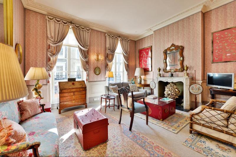 Elegant 2 Bedroom Home in Kensington and Chelsea - Image 1 - London - rentals