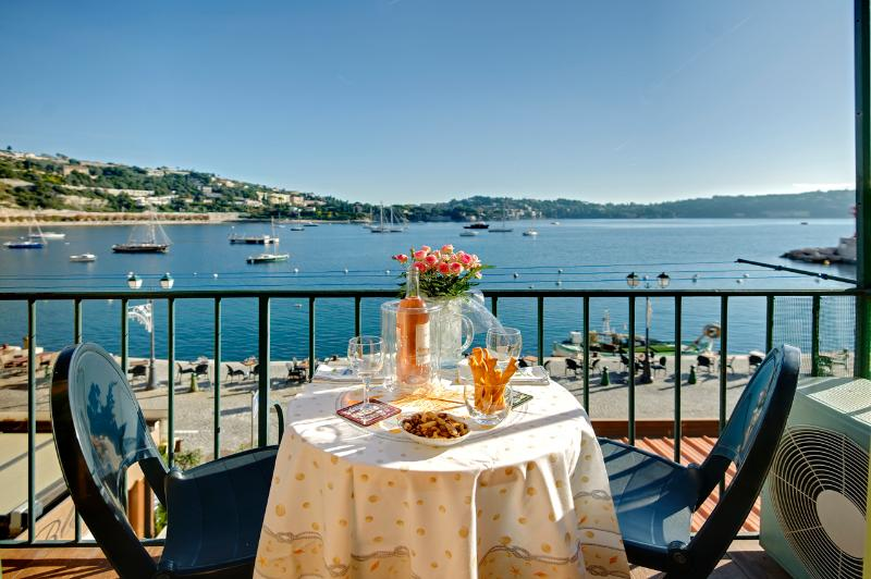 Wake up in the best waterfront village location - Image 1 - Villefranche-sur-Mer - rentals