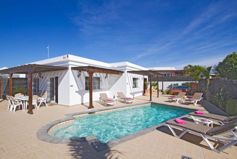 Villa LVC196692 - Image 1 - Puerto Del Carmen - rentals