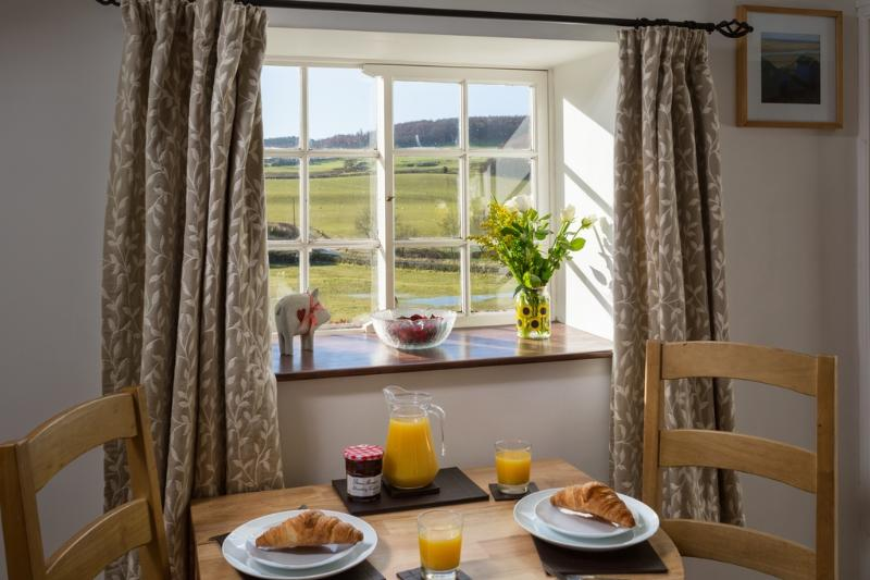 Curly Tail Cottage located in Harwood Dale, North Yorkshire - Image 1 - Cloughton - rentals