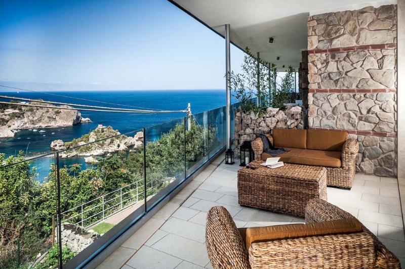 Three-Bedroom Apartment Close to Taormina with Gorgeous Sea Views  - Casa Isola 1 - Image 1 - Taormina - rentals