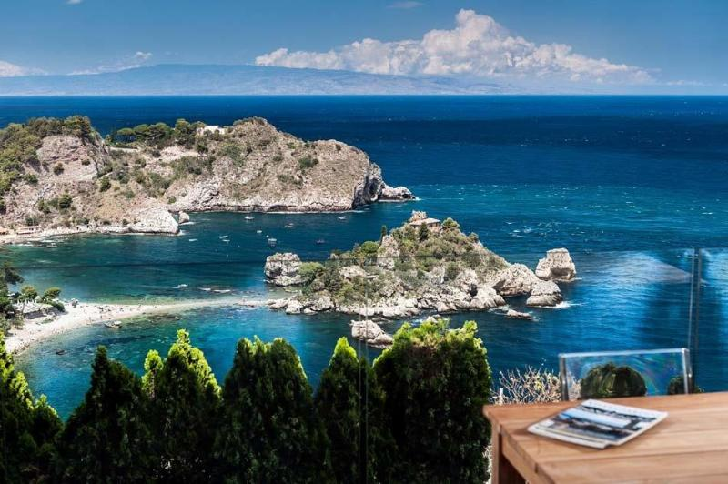Two-Bedroom Apartment Close to Taormina with Gorgeous Sea Views - Casa Isola 2 - Image 1 - Taormina - rentals