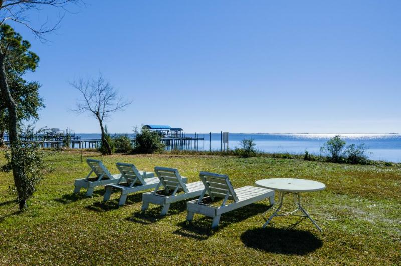 Lovely cottage w/ a gorgeous porch & nearby dock. On the Sound! - Image 1 - Gulf Breeze - rentals