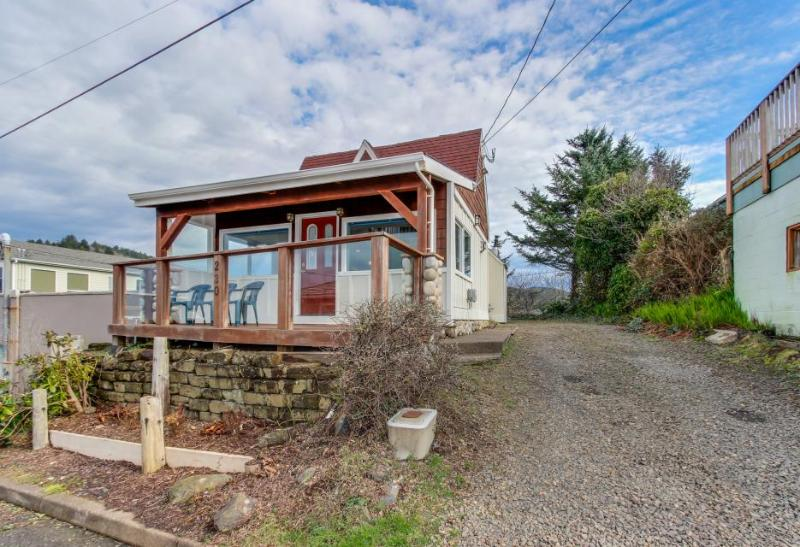 Dog-friendly home with ocean views from deck and private hot tub! - Image 1 - Depoe Bay - rentals