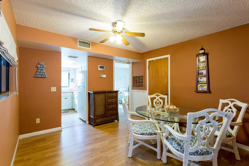 Dining Room - Sea Woods Three Bedroom Condo - New Smyrna Beach - rentals