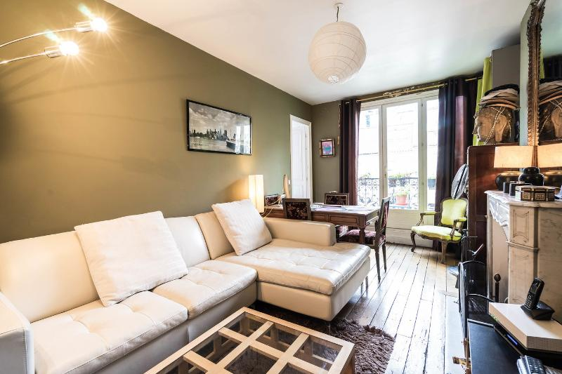Living Room - Bed and Breakfast at Domingo Rooms in Beaubourg, P - Paris - rentals