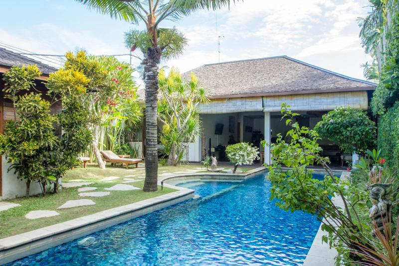SEMINYAK 13m POOL private 2lgebrms LOCATION value! - Image 1 - Seminyak - rentals