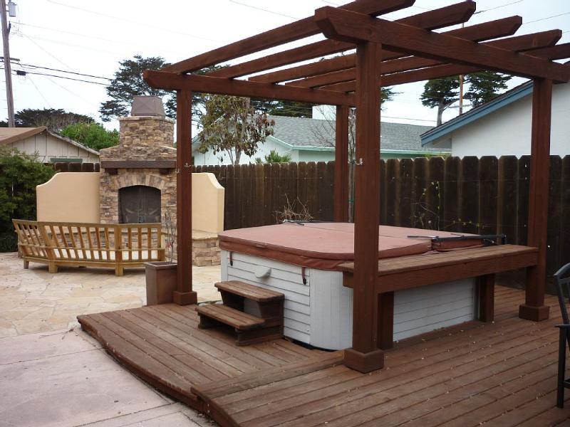Back yard entertainment - Monterey Ocean Villa Retreat - Monterey - rentals
