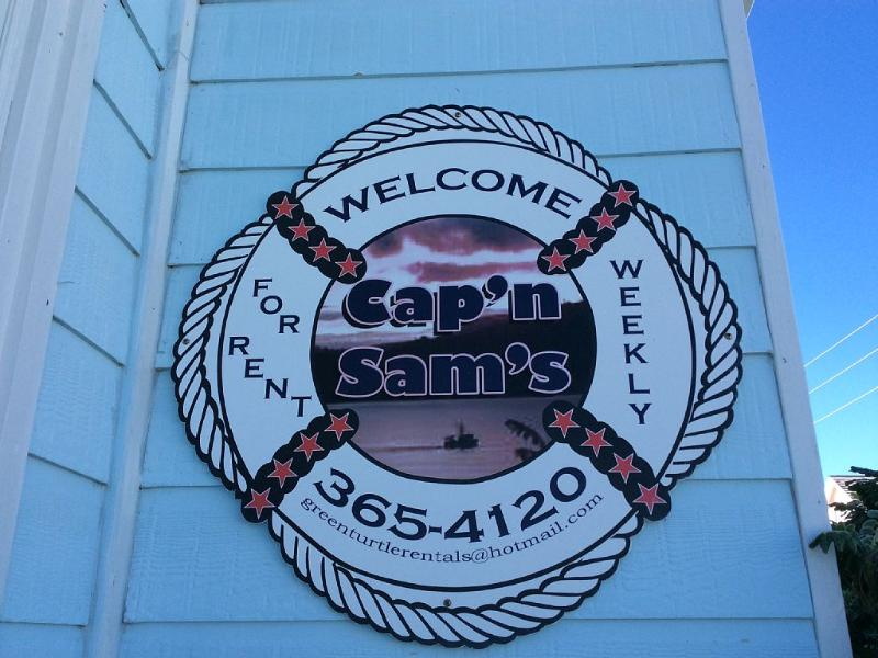 Cap'N Sam's - Waterfront with Dock - Includes Golf - Image 1 - Green Turtle Cay - rentals