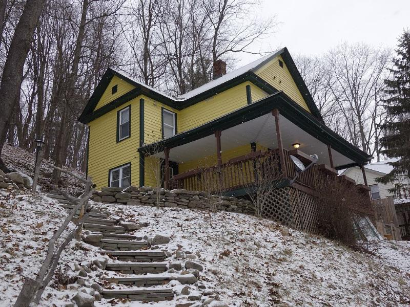Conveniently Located Catskill Mountain Retreat - Image 1 - Hancock - rentals