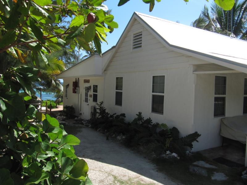 Castaway by the Sea - Cottage - Image 1 - Bodden Town - rentals