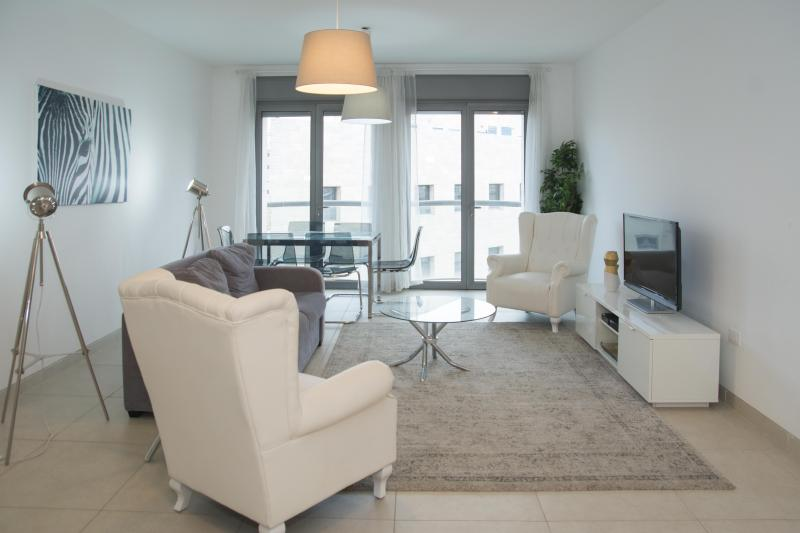 Gorgeous & modern 3 bdrs, security 24/7 and gym! - Image 1 - Jerusalem - rentals