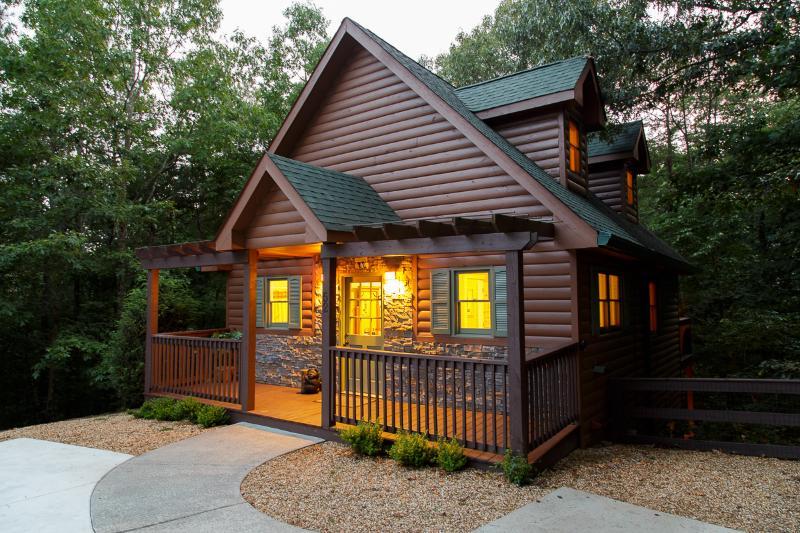 Kickin' Back Cabin is as adorable inside as it is on the outside - Kickin' Back Cabin - Helen - rentals